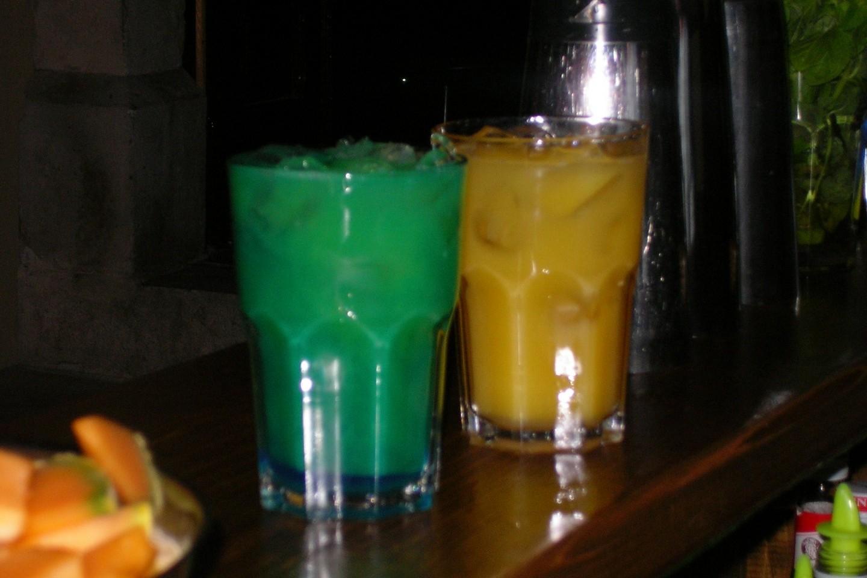 Zanimljivi kokteli u cafe baru Lido