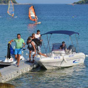 lido-rent-speedboat-marvel-02
