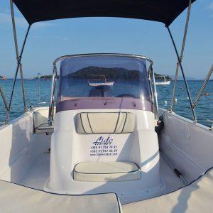 lido-rent-speedboat-marvel-interior-01