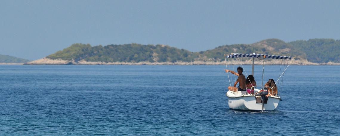 Iznajmljivanje čamaca Korčula Prižba